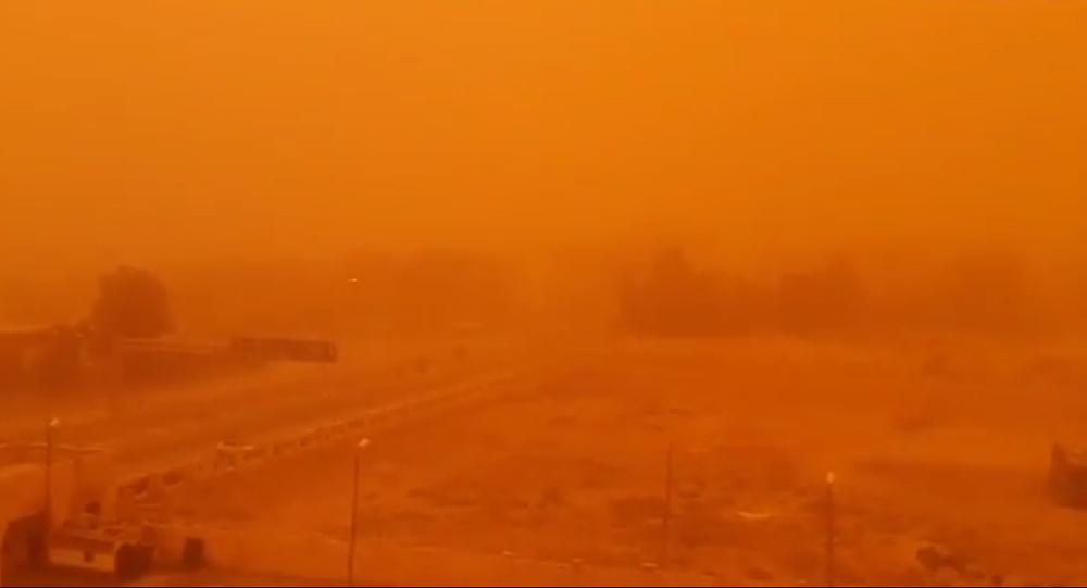 Sandstorm in the Syrian city of Deir ez-Zor
