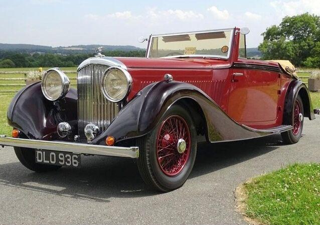 1937 Bentley 3.5 Litre Vanden Plas Drophead Coupe.