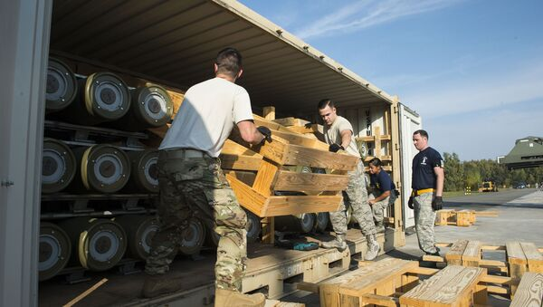 Ramstein Air Base, Germany recieving US ammo shipment - Sputnik International