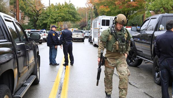 Police officers respond after a gunman opened fire at the Tree of Life synagogue in Pittsburgh Pennsylvania. - Sputnik International