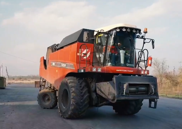 Russian Self-Driving Combine Harvester