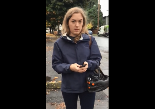 Oregon woman filmed calling the authorities on couple over their parking job