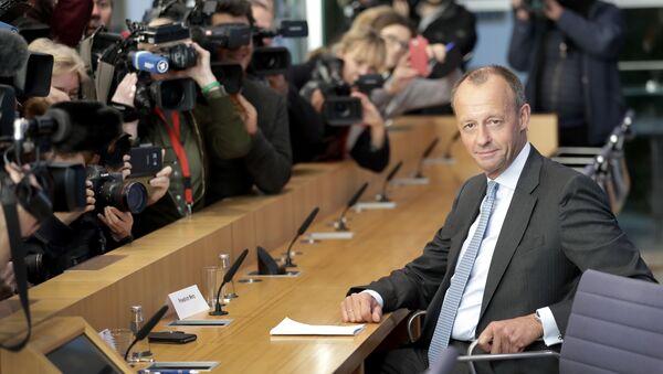 Friedrich Merz, right, member of the German Christian Democratic Party - Sputnik International