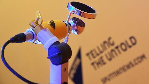 A microphone at Sputnik's radio room at the St. Petersburg International Economic Forum 2018 - Sputnik International