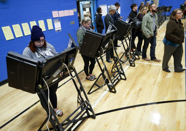 Voters in Ohio cast their ballots electronically during the 2018 midterm elections