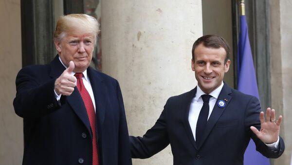 French President Emmanuel Macron, right, and U.S President Donald Trump thumb up at the Elysee Palace in Paris, Saturday, Nov.10, 2018. - Sputnik International