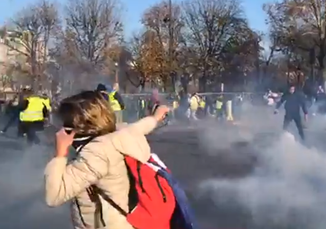 'Yellow vest' proteststers blocked Champs-Élysées avenue in Paris