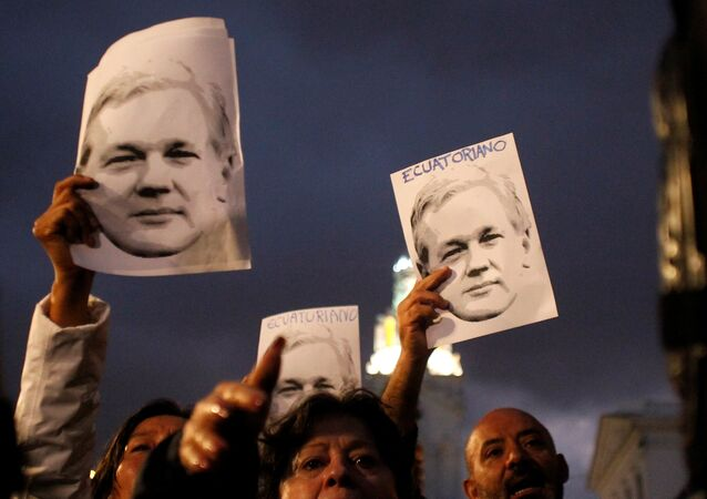 Supporters of WikiLeaks founder Julian Assange
