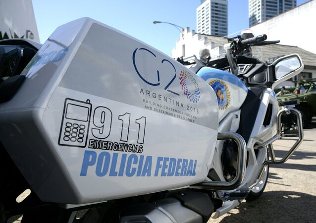 A motorcycle of the Argentine Federal Police with the G20 logo.