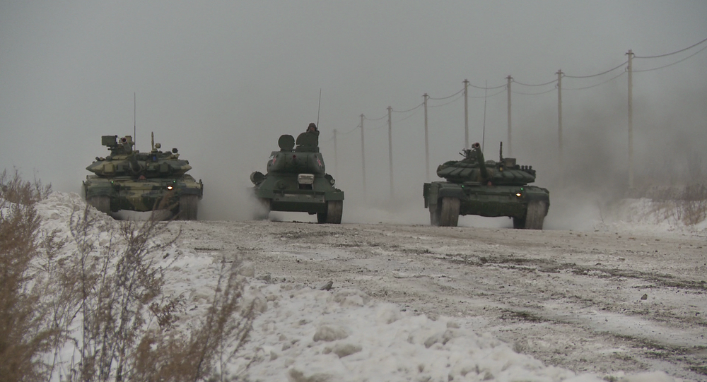 Tank Drag Race at -20Cº: Uralvagonzavod Pays Homage to Its Eminent Tank Inventor