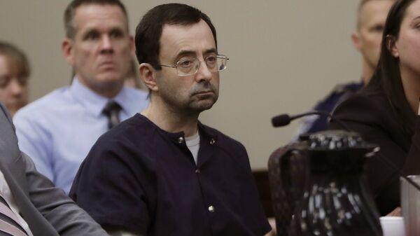 Larry Nassar sits during his sentencing hearing Wednesday, Jan. 24, 2018, in Lansing, Mich. - Sputnik International
