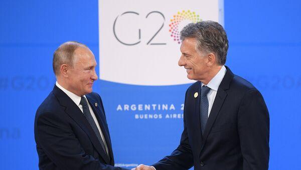 Russian Vladimir Putin and Argentina's President Mauricio Macri - Sputnik International