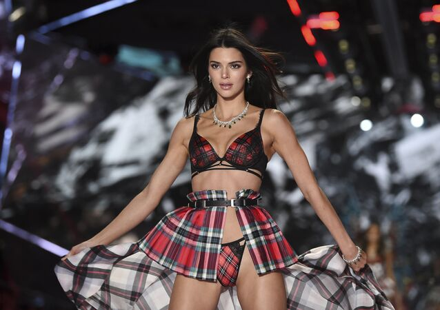Model Kendall Jenner walks the runway during the 2018 Victoria's Secret Fashion Show at Pier 94 on Thursday, Nov. 8, 2018, in New York.