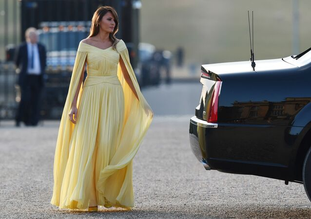 US First Lady Melania Trump arrives for a black-tie dinner with business leaders at Blenheim Palace, west of London, on July 12, 2018, as President Trump begins his first visit to the UK as US president