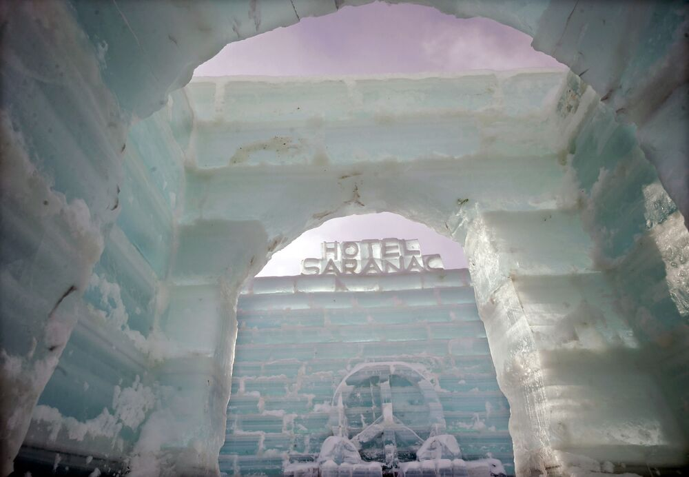 Saranac ice palace in the US