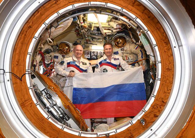 Pilot-cosmonauts Oleg Artemyev and Sergei Prokopiev
