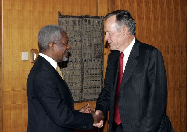 Kofi Annan, UN Secretary General, meeting with former US President George H W Bush in 2006
