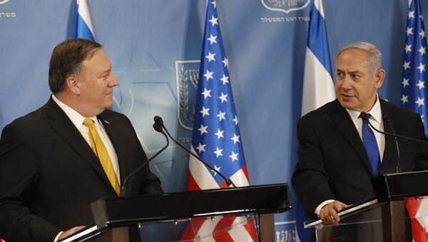 US Secretary of State Mike Pompeo. left. and Israeli Prime Minister Benjamin Netanyahu - Sputnik International