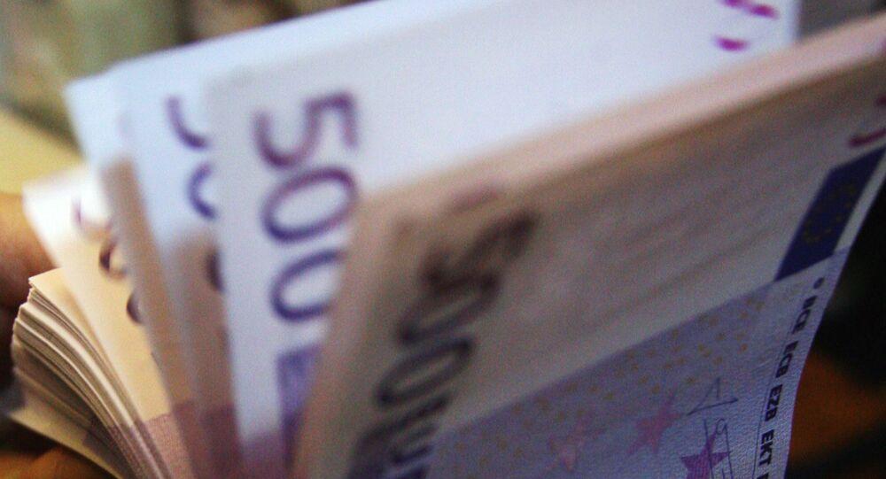 500 euro notes.