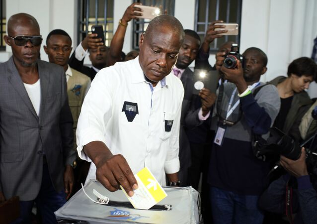 Businessman and candidate Martin Fayulu casting his own vote in DR Congo's presidential elections on December 30