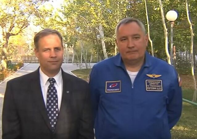 NASA Administrator Jim Bridenstine and Roscosmos Director General Dmitry Rogozin take questions at the Cosmonaut Hotel in Baikanour, Kazakhstan on 18 Oct. 2018.