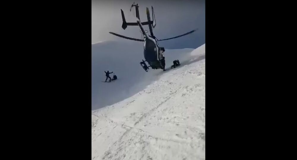 Skillful Helicopter Pilot Dramatic Rescue in the Alps
