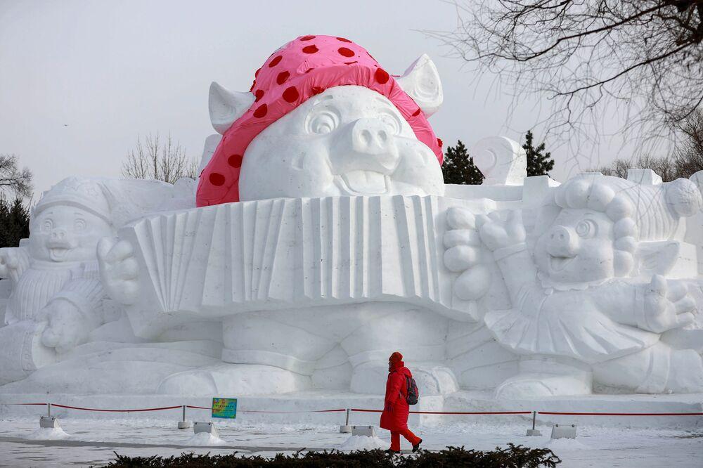 Snow Sculpture in China's Harbin