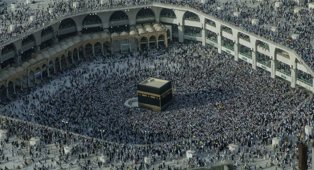 Muslim pilgrims perform the farewell circling of the Kaaba, the cubic building at the Grand Mosque, marking the end of hajj pilgrimage in the Muslim holy city of Mecca, Saudi Arabia, Thursday, Aug. 16, 2018