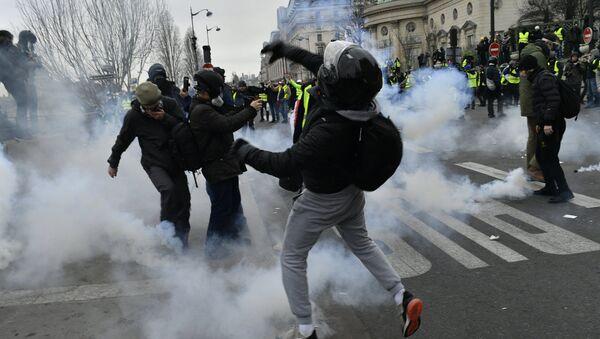 Yellow Vests protest in Paris - Sputnik International