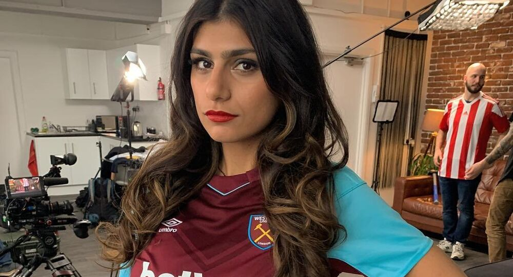Former Hijab Porn Star Mia Khalifa Comes Under Fire Complains