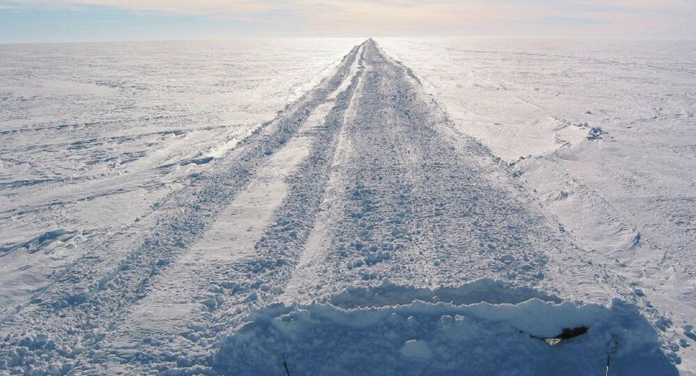 The ice highway at the Antarctica