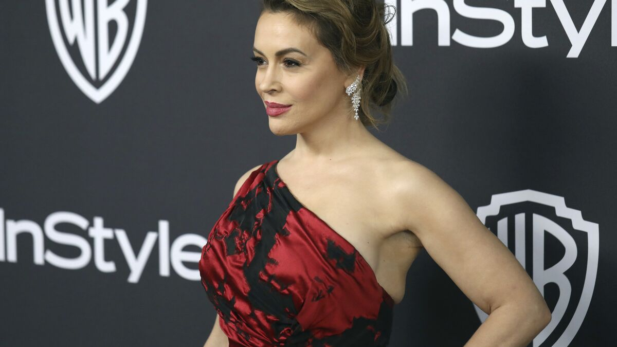 Alyssa Milano Called Out On I Don T Recognise My Country Anymore