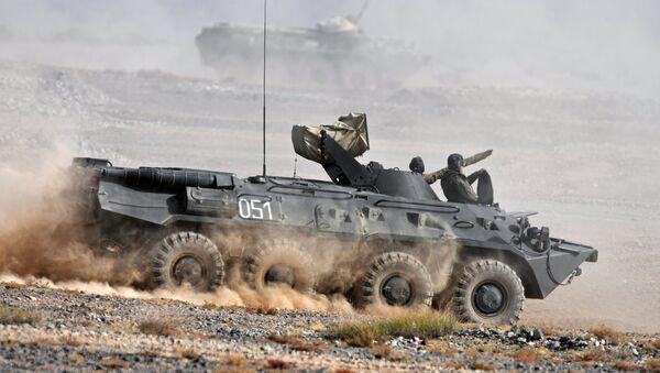 BTR-80  - Sputnik International