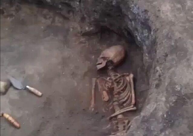 Женский скелет - Гамурзиевское городище