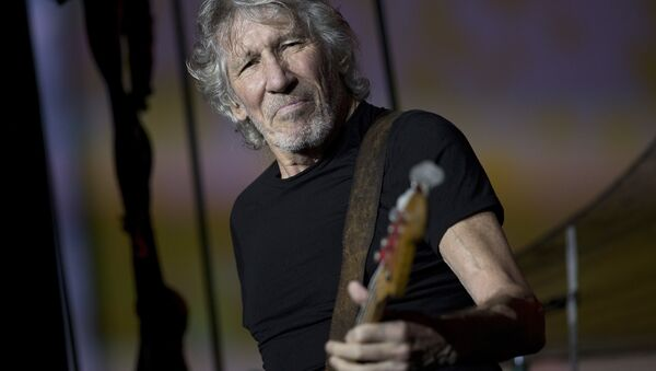 British singer and songwriter Roger Waters performs during his concert of the Us+Them tour at Maracana stadium, Rio de Janeiro, Brazil, Wednesday, Oct. 24, 2018 - Sputnik International