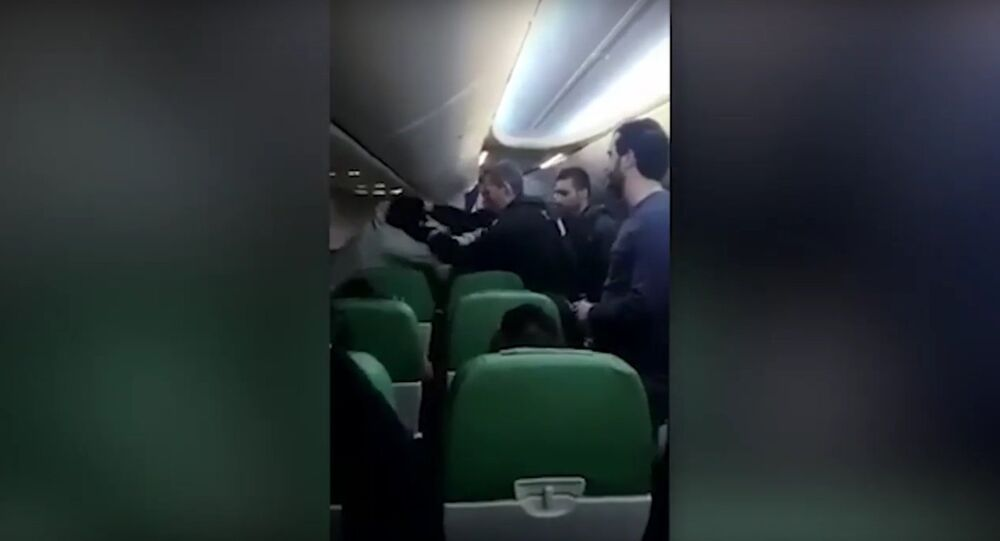 Transavia Passenger Shouts 'Allahu Akbar' And Tries To Enter Cockpit As Plane Is Diverted
