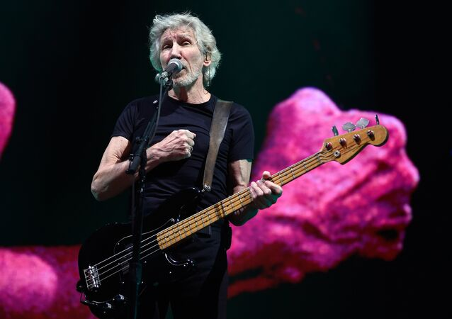 English singer/songwriter/bassist Roger Waters performs at the Sports Palace in Mexico City on November 28, 2018.