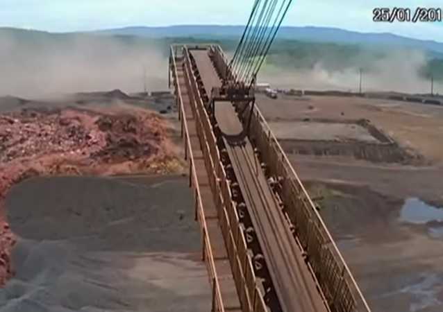New footage shows the collapse of Brazil's Brumadinho dam