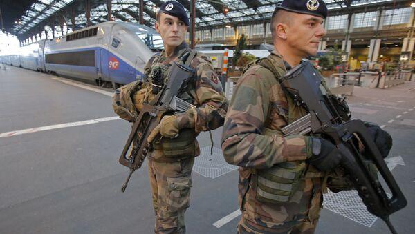 French soldiers patrol at gare de Lyon train station (File) - Sputnik International