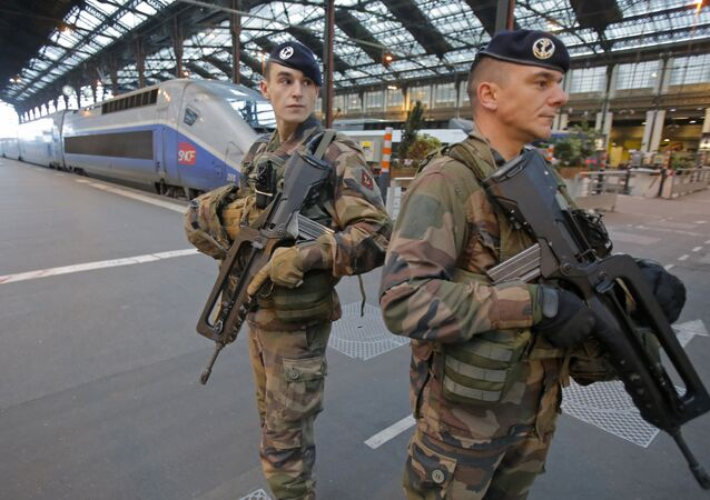French soldiers patrol at gare de Lyon train station (File)