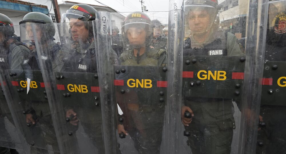Venezuelan security forces stand guard at the border town of Ureña after Maduro´s government ordered to temporary close down the border with Colombia on February 23, 2019.