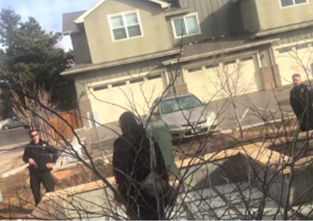 Boulder police detain black man for picking up trash