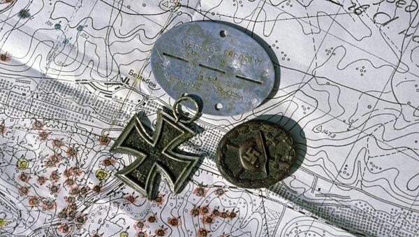 Nazi medals laid over map. - Sputnik International