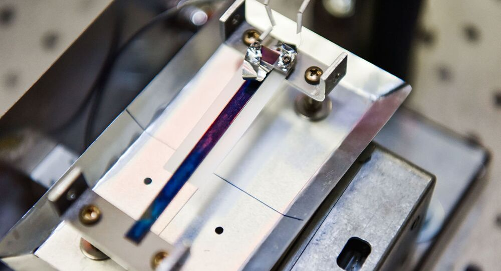 Piezoelectric element in a sensor