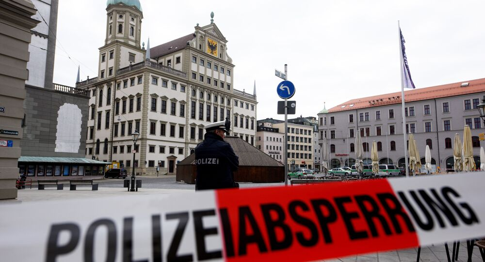 Police have coroned off the area in front of the city hall of southern town of Augsburg, on March 26, 2019 after receiving emails threatening bomb attacks