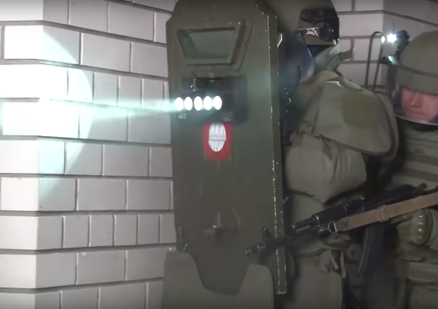 Shield featuring light-based system to disorient enemy militants tested by Russian special forces.