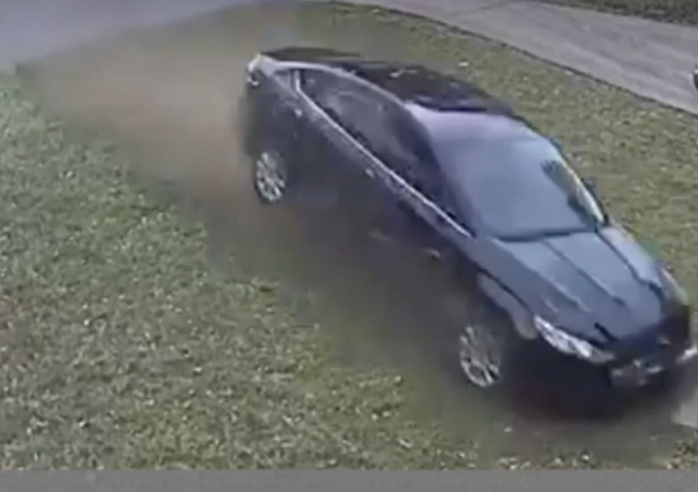 Nine-Year-Old US Girl Run Down in Her Front Yard in Hit and Run