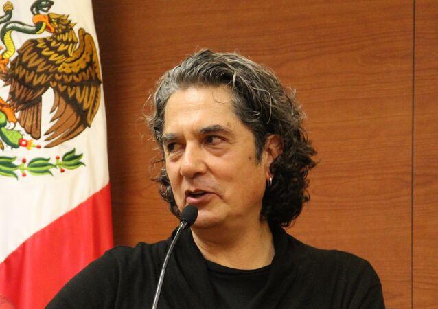"""Armando Vega-Gil en el segundo Coloquio Internacional """"Nuevas narrativas mexicanas: desde la diversidad"""" en el ITESM-Campus Ciudad de Mexico"""