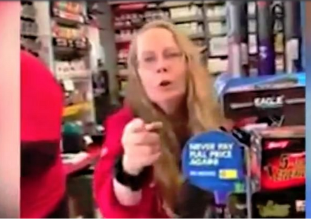 Gas Station Employee Verbally Abuses US Citizen for Speaking Spanish