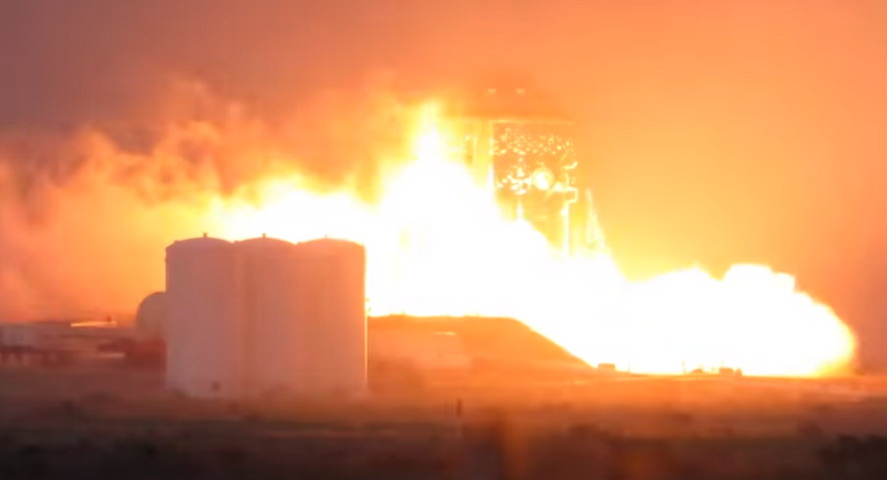 SpaceX's Starhopper tests rocket engine for the first time